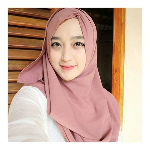 Tutorial Hijab Wisuda Simple Modern Yang Praktis Dan Cepat